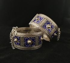 Pair of antique bracelets made of high-title silver - Berber tribe, mid 20th century