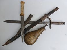 Lot stabbing weapons