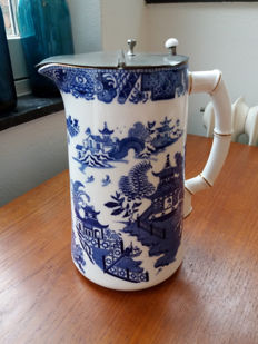 Royal Worcester Willow pattern large jug with lid