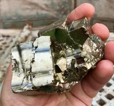 Cubic Pyrite crystal - Very shiny crystal - 9 x 6 x 6 cm - 690 g