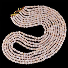 Pink Opal necklace with 18 kt (750/1000) gold Clasp, length 50 cm