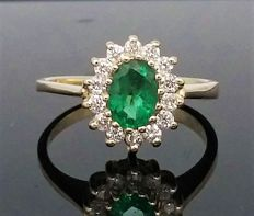 14k Yellow gold Emerald and Diamond Cluster Ring - size : 6 (USA), 52 (Franch ).