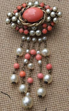 Antique ladies' brooch 2nd World War Germany 1941 corals and pearls