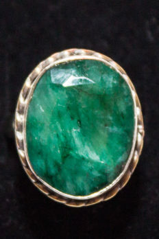 Beautiful silver ring with large emerald.