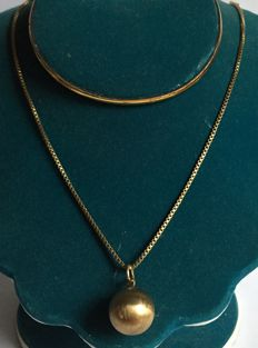 Yellow gold ball pendant necklace, 585 gold - Dimensions: 46 cm