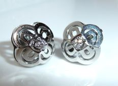 Earrings / stud earrings made of 14kt / 585 white gold - designed like flowers with 0.08ct. Diamonds **no reserve**