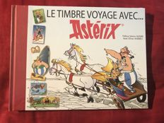 France 2000/2008 – 23 post books including the regions, Asterix. Tintin with slipcase and all stamps.