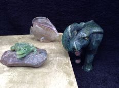 Lot of 3 of an elephant, an angelfish and a crocodile made from different types of mineral - 785 g (3)