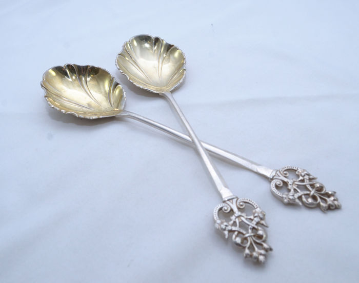 Pair of Silver Serving Spoons - Sheffield - Leaf Shape - England - 1904