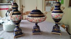 3 porcelain blue cobalt urns of Keramos Crown Nobile Capodimonte