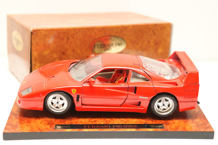 Nice desk display Ferrari F40