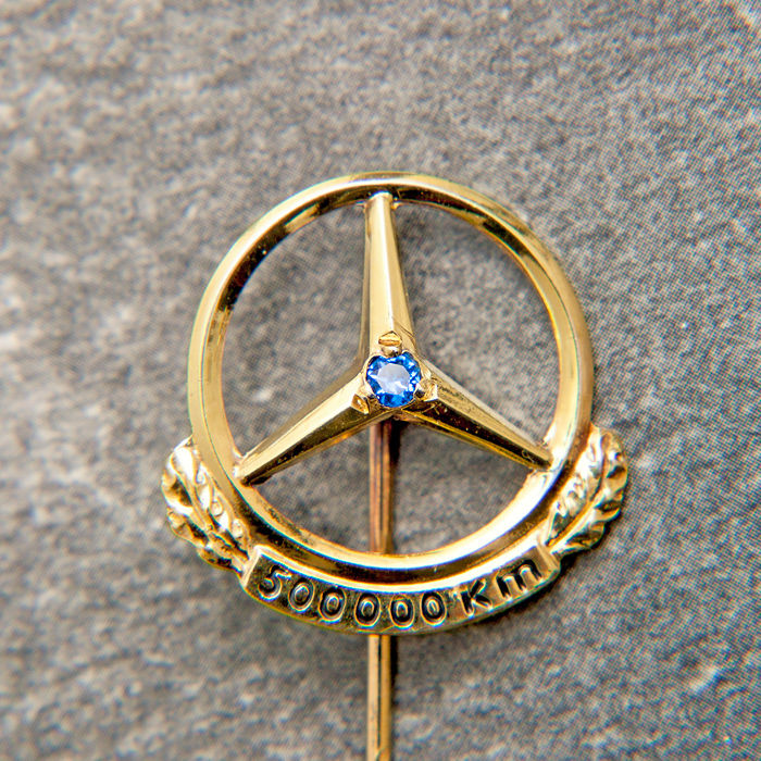 Decorative object - Mercedes Benz Daimler Gold Pin 500000 Km & Box - 1950-1970 (1 items)