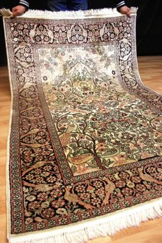 Royal silk carpet - Kashmir silk - 185 x 122 cm carpet - generally in good condition