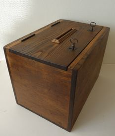 Robert Emile - Lockable French oak election box with both original keys, France, ca. 1935