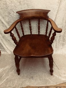 An oak captain's chair or desk chair - England - late 19th century