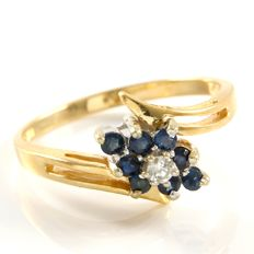 14kt Yellow Gold Ring  0.08 ct Sapphires & 0.03 ct Diamonds   Size: 6