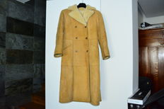 Women's sheepskin coat made in Italy, size 46, long, double breasted