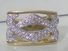 18 kt yellow and white gold ring weighing 14.9 g with 80 × 0.005 ct diamonds totalling 0.40 ct  T 16