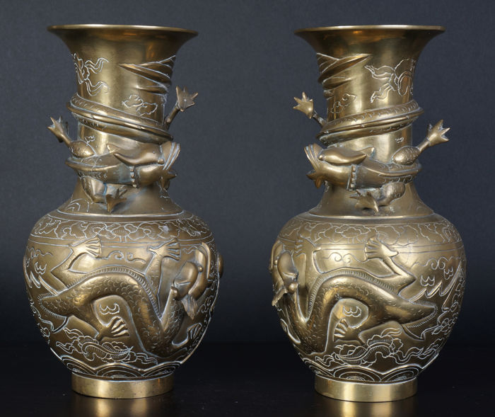 Set Of Chinese Bronze Vases With Dragons China 1st Half 20th