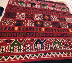 Antique wool Kilim rug, entirely hand-woven.