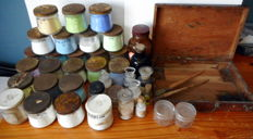 Lot of 36 artist's ingredients to make paint