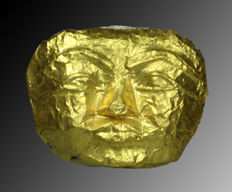 Golden mummy mask - 15,2 x 11,7 cm