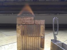 Very rare and curious lighter