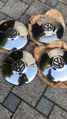 Volkswagen - 4 chrome Karman Ghia type 34 hubcaps
