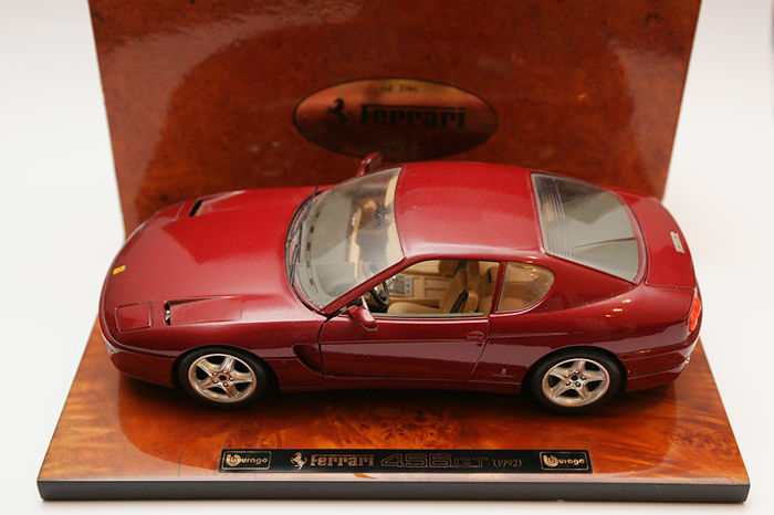 Nice desk display Ferrari 456 GT