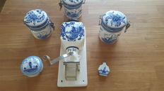 Delft blue PeDe wall coffee grinder with Delft blue stock pots
