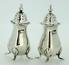 A Pair of Silver Salt and Pepper Pots - E S Barnsley & Co - Birmingham - 1913