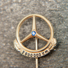 Old Mercedes Benz 2.000.000 Km Pin / Brooch 333 Gold & Sapphire - No Reserve Price