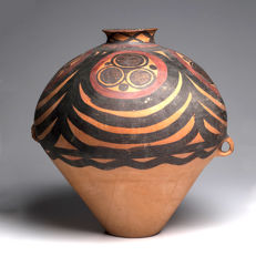 A Large Chinese Neolithic Painted Pottery Jar - 39,37 cm