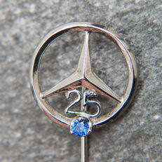 Mercedes Benz 25 Years service anniversary  Pin / Brooch 835 Silver & Sapphire Emblem / Logo - * No Reserve Price *