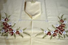 Elegant linen gauze tablecloth x 6 (including 6 napkins) with handmade embroidery