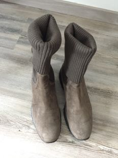 Hogan Interactive suede boots, size 37.5