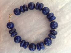 Bracelet made of Lapis Lazuli with yellow gold 18 kt/750 clasp, length 21.5 cm