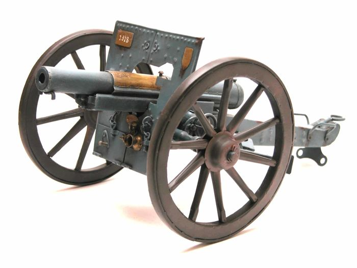 Model of the gun of 75 French (gun + forepart). Decoration only