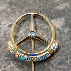 Mercedes Benz 1.000.000 Km Pin / Brooch 333 Gold & Sapphire - No Reserve Price
