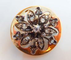 Old brooch in 18 kt yellow gold with 25 diamonds