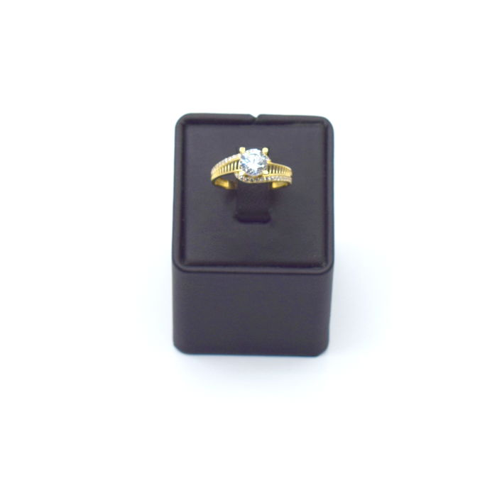 14 K yellow gold ring with zircon stone  , 18 x 18  mm  approx