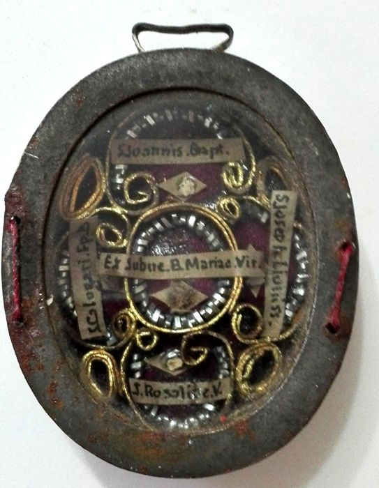 Brass reliquary with 5 relics - Italy XIX century
