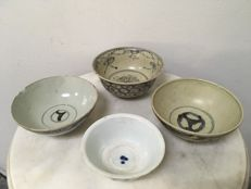 4 Porcelain B/W Bowls - China - Ming dynasty 16th Century.