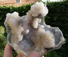 Fine and large chalcedony geode  - 25 x 15 - 861 g