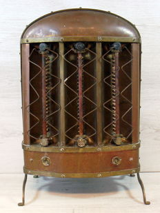 Antique copper Inventa electric heater Dutch Patent No. 3066, 1st half 20th century