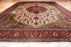Royal fine Orient - carpet 40-50 Raj Tabriz - 290 x 198 cm - overall good condition