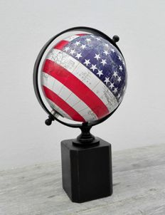 Beautiful globe - America - 21st century