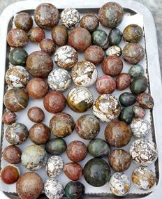 Fine Quality of Jasper Spheres And Eggs Caving - 13500 gm (68)