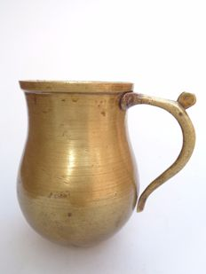 Bronze belly jug with handle - 17th century