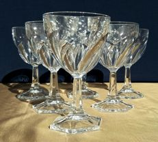Lot of 6 cut crystal glasses, finely carved with hexagonal base - France - ca. 1930